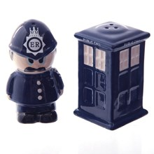 SALT AND PEPPER SHAKER - POLICEMAN AND POLICE BOX