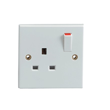 STATUS - 1 GANG SWITCHED SOCKET