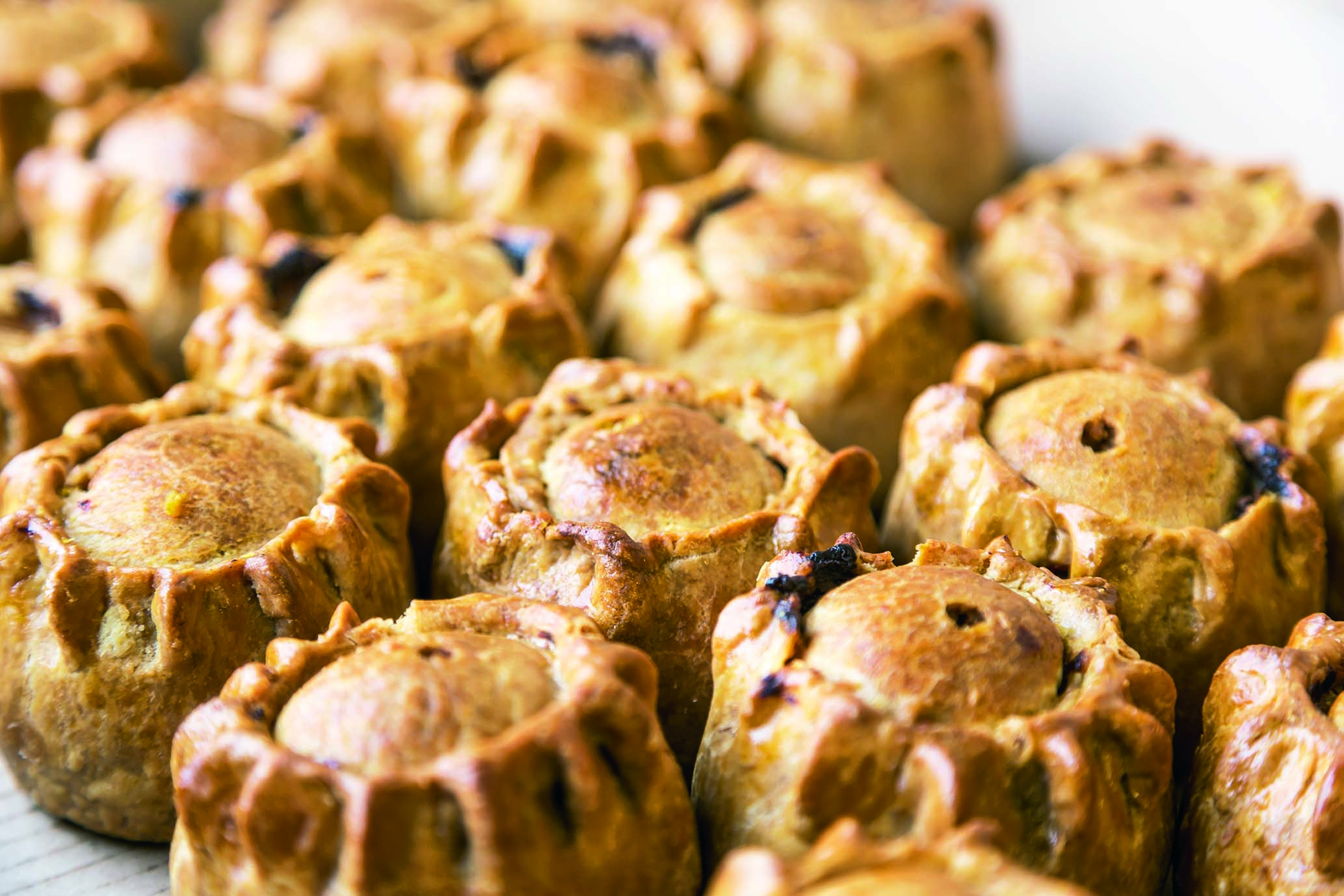 Case Small Hand Raised Pork Pies (20) Wrapped