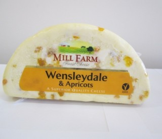 Image of Wensleydale & Apricot (1kg)