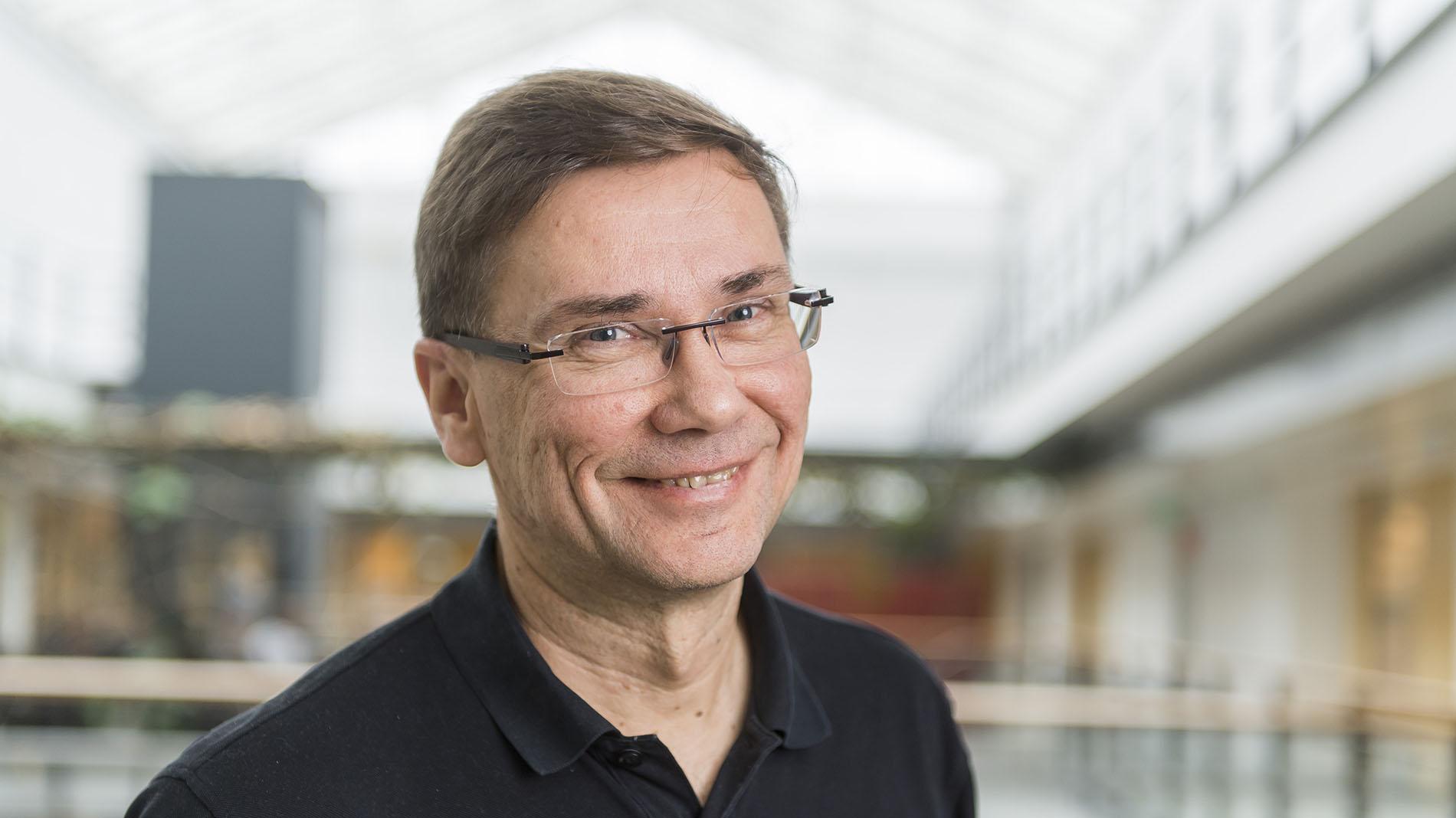Tutkimusmatkalla: Professori Lauri Aaltonen