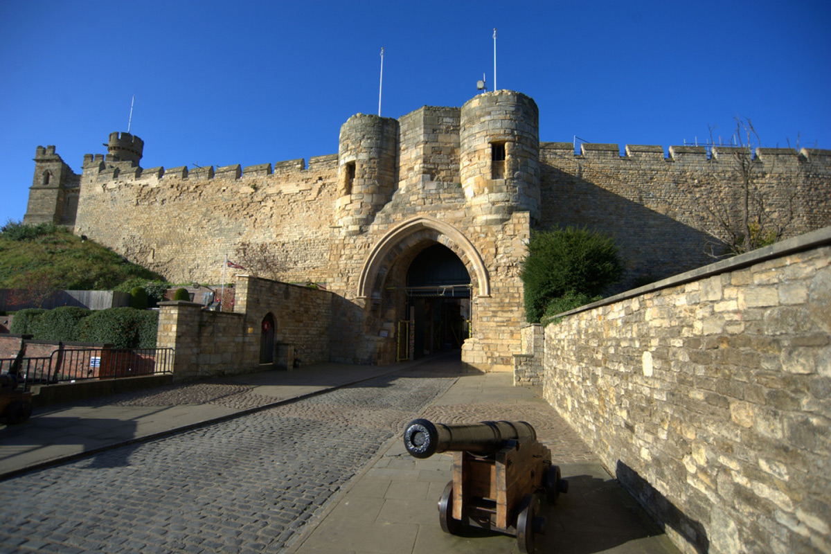 LINCOLN CASTLE: REVEALED