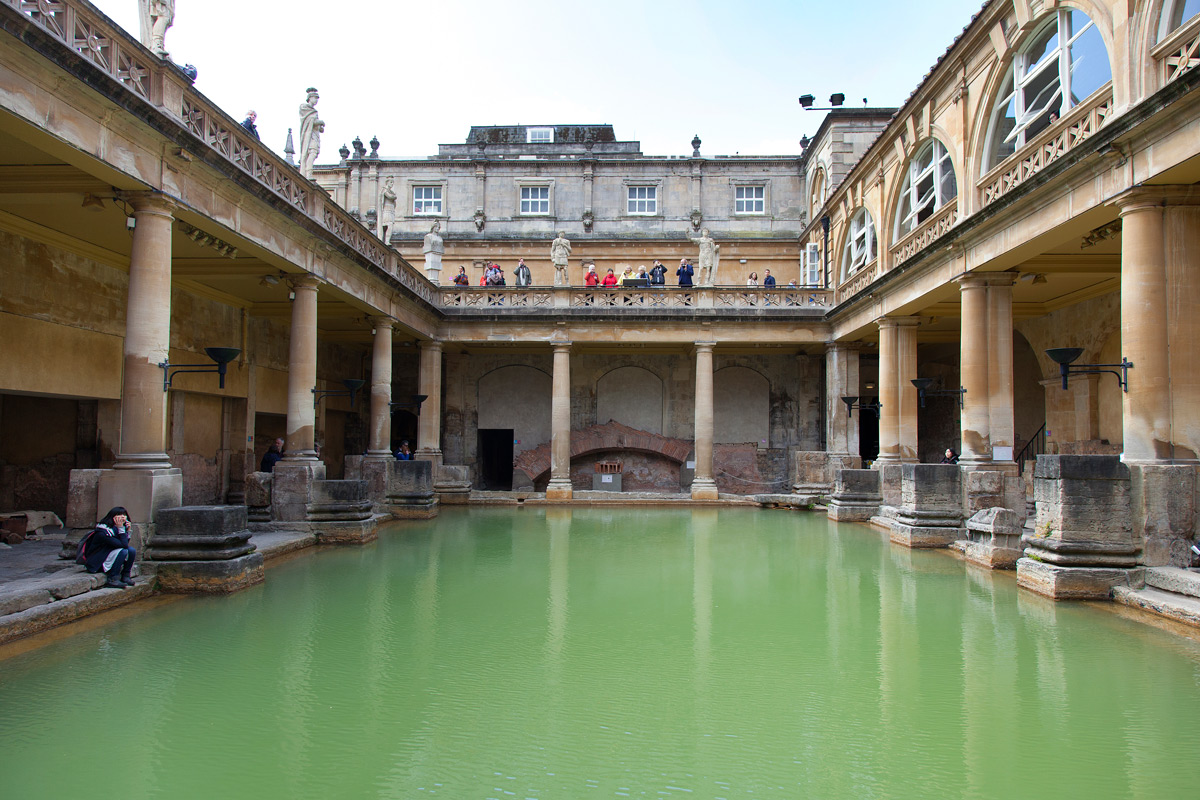 THE ROMAN BATHS: TEPIDARIUM