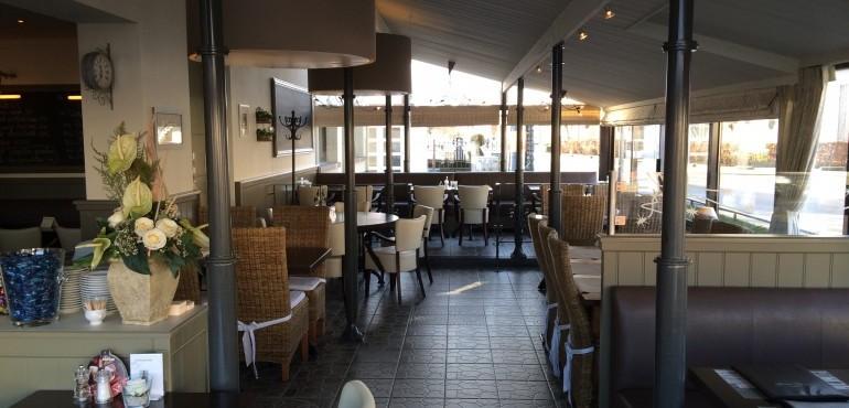 Brasserie 't Straatje ( meer dan 6 p, bel 014261003)