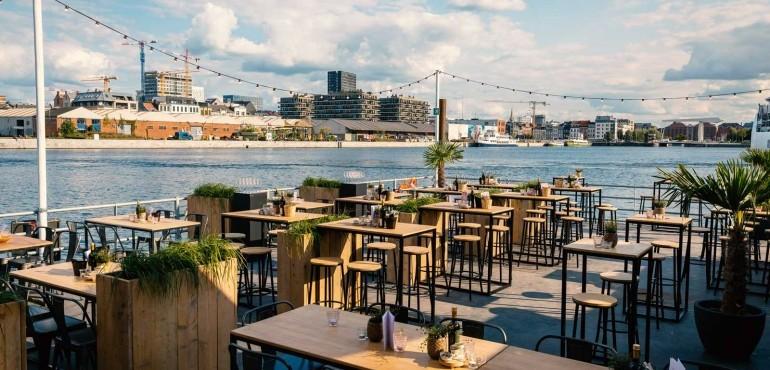 Waterfront - Bar & Resto