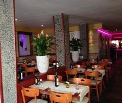 https://s3-eu-west-1.amazonaws.com/tablebooker-upload-production/restaurants/52564259/5891f896de818.250.jpg