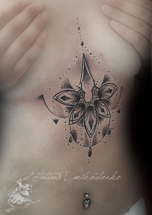 Mandala tatuaje tatoo Valencia