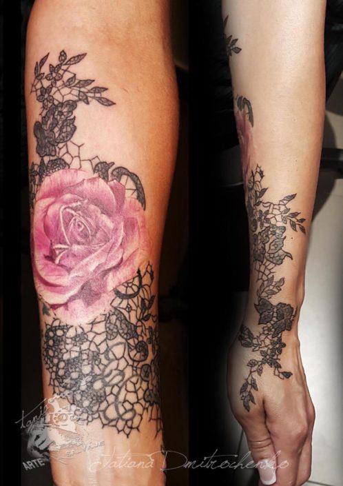 Tatuaje de Rosa Encaje Tania Tattoo Valencia
