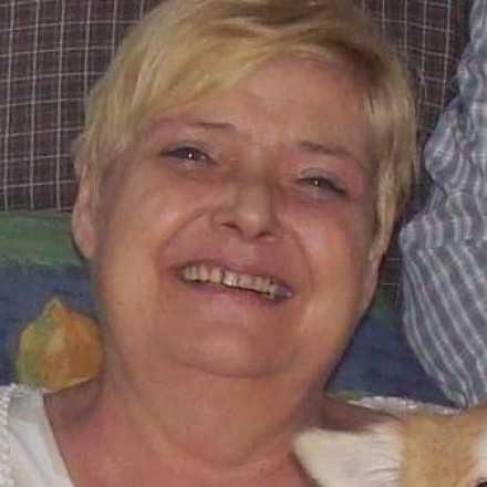 Jeannine Hens