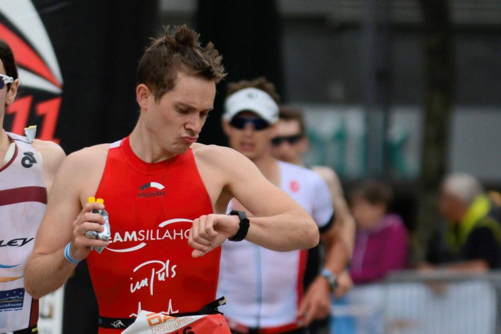 Triathlon-Wettkampf Pacing für Einsteiger