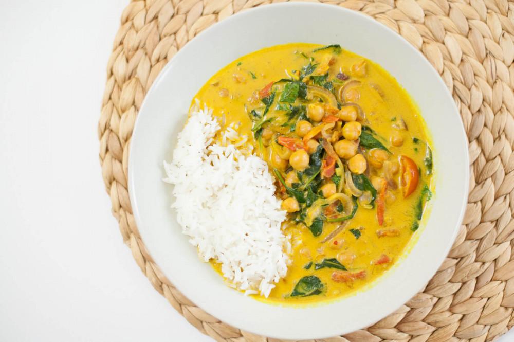 Rezept-Tipp: schnelles Kichererbsen-Curry mit Tomaten