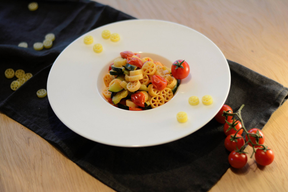 One-pot-Pasta: Schnelle Zucchini-Tomaten-Pasta
