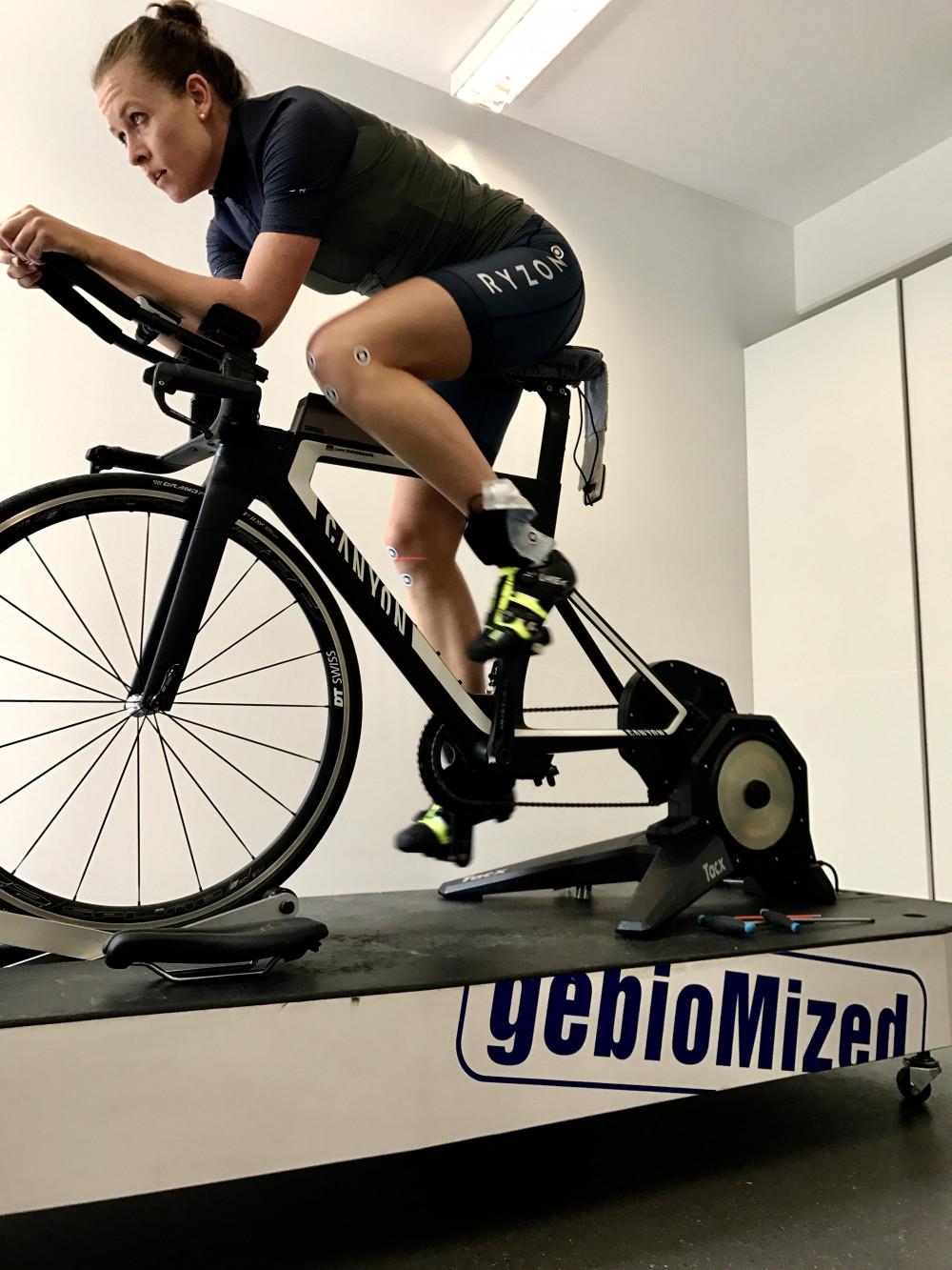 Radschuhe und Sattel im Check: zu Besuch bei STAPS in München