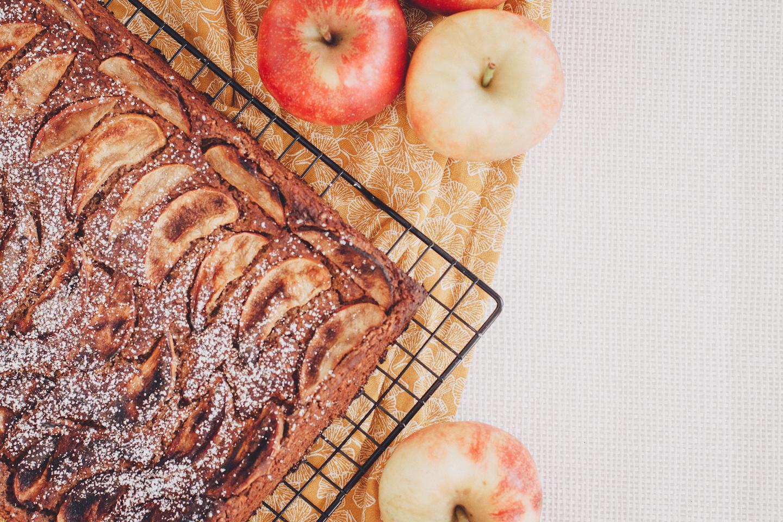 Herbstlicher Mohn-Apfelkuchen ohne Mehl