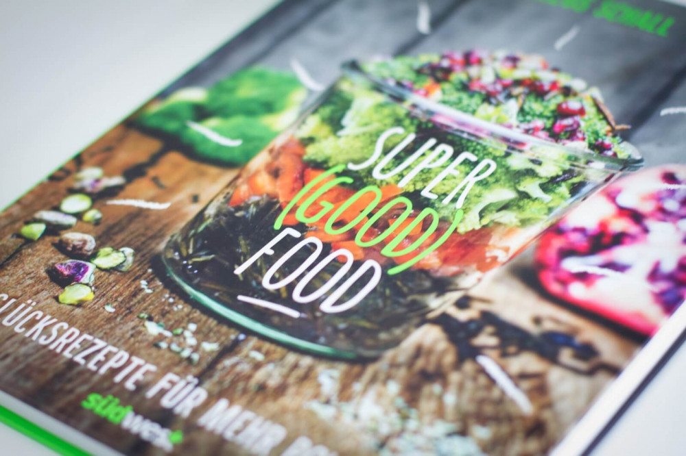 Pay the farmer, not the pharma! Das Kochbuch von SuperGoodFood ist da.