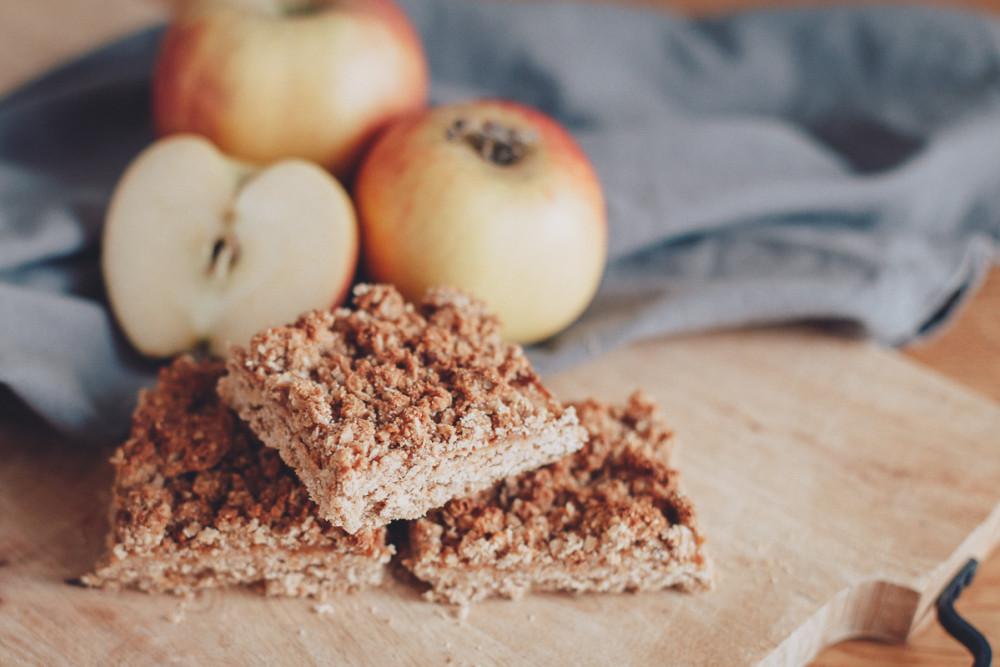 Goodbye Hafer- und Bananenblues: hier kommt der Apfel-Hafer-Streuselkuchen!