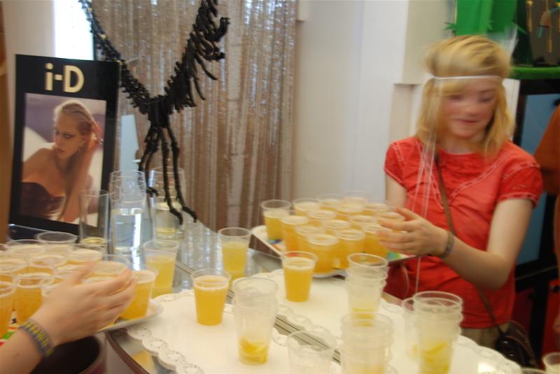 Serving Courvoisier and Ginger cocktails