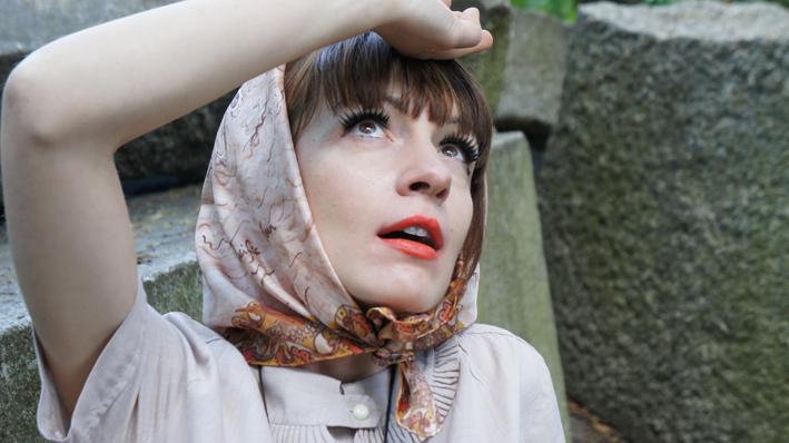Cléo Ferin scarf