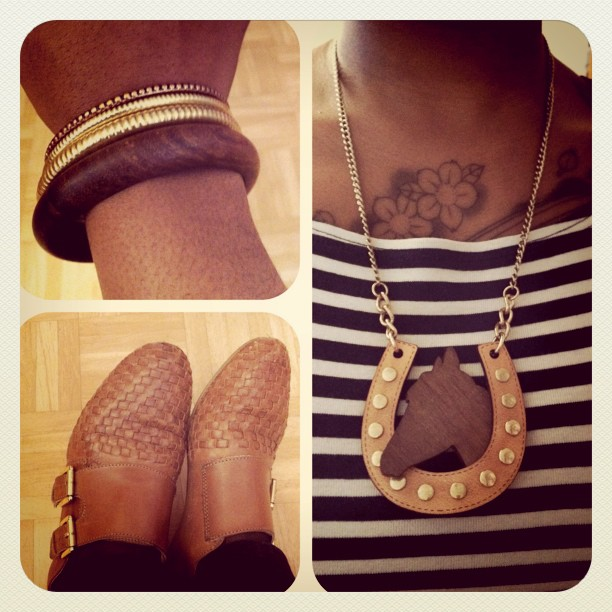 Lady Velo in Tatty Devine horseshoe necklace