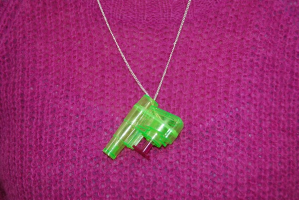How To Make a Waterpistol Necklace