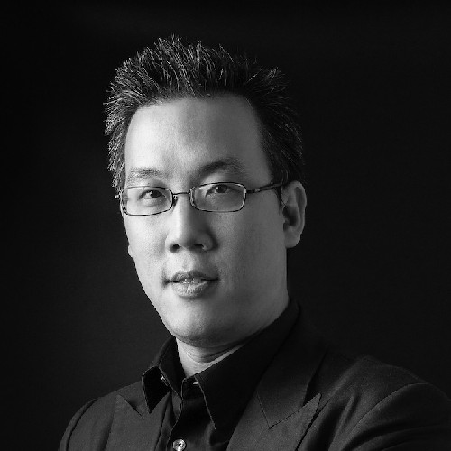 Dr Ton Chirathivat