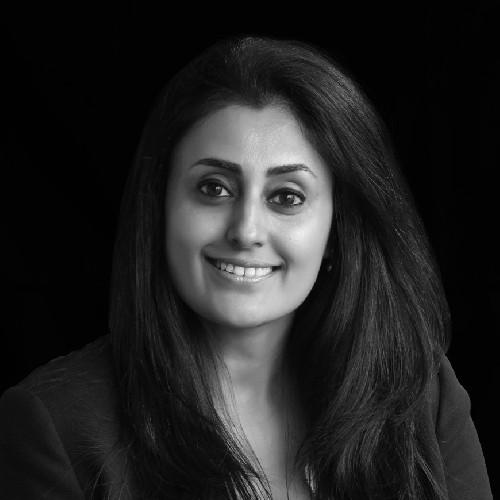 Molly Kapoor