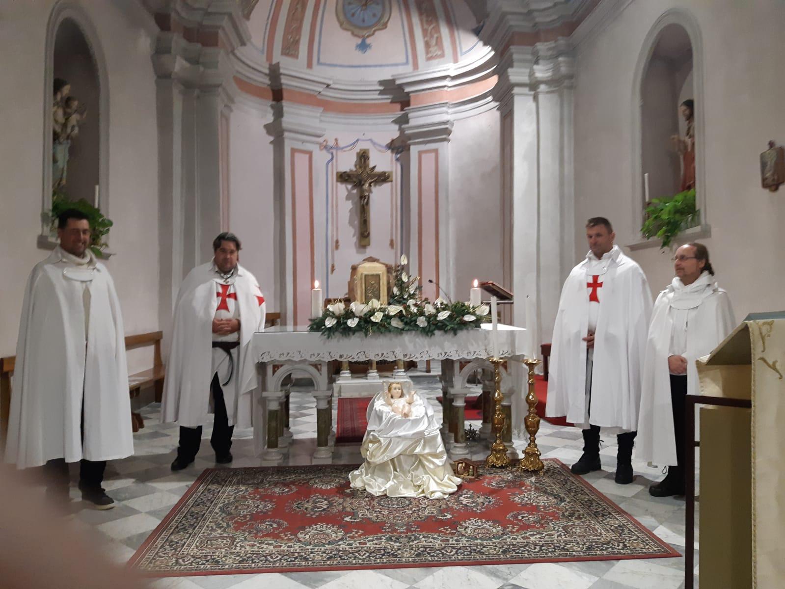 Adorazione eucaristica nella chiesa di San Giovanni Battista a Terrarossa