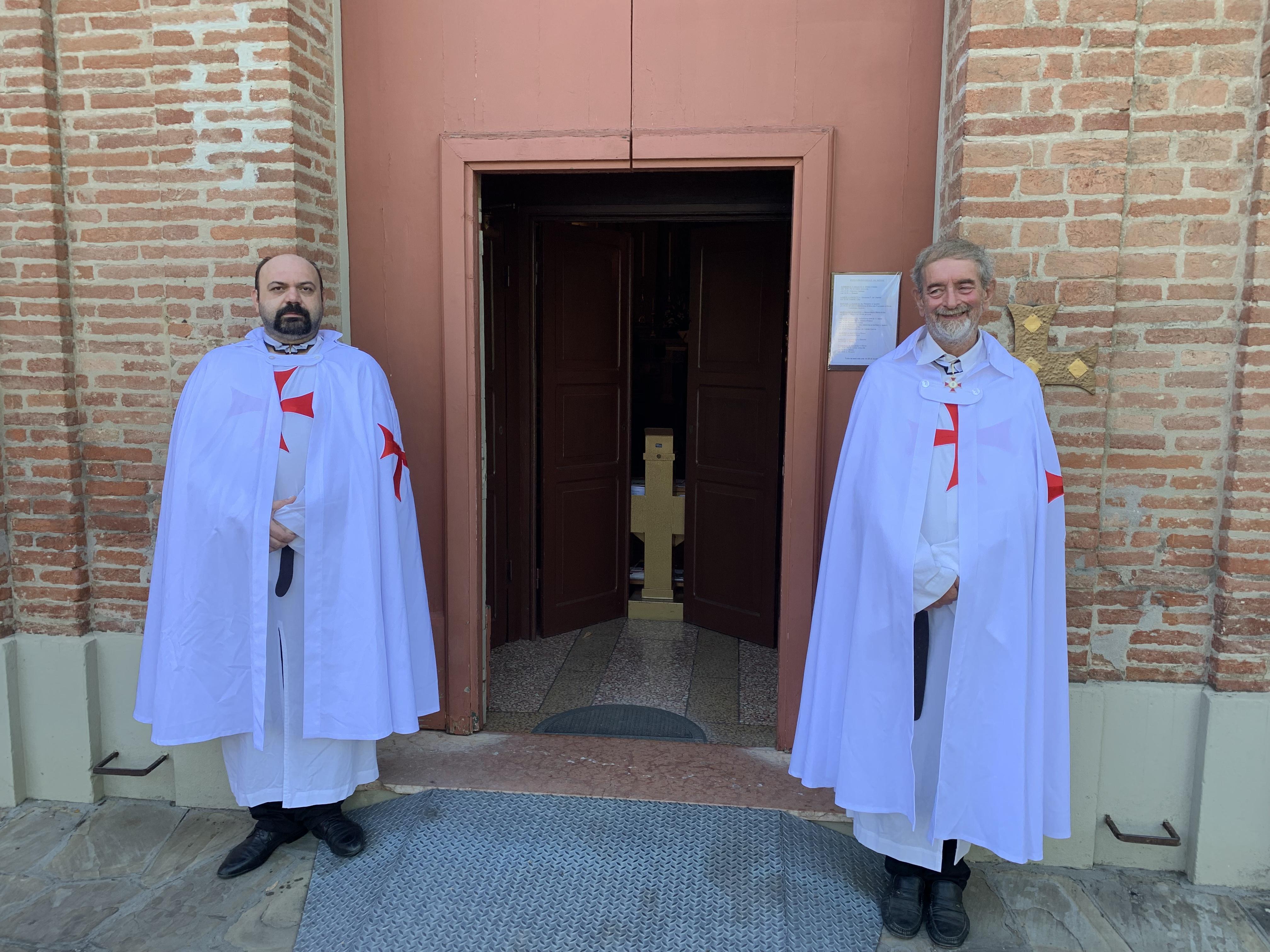 Gazebo con banchetto e custodia della Chiesa di Pontesanto Imola (BO) – 10-11 agosto 2019