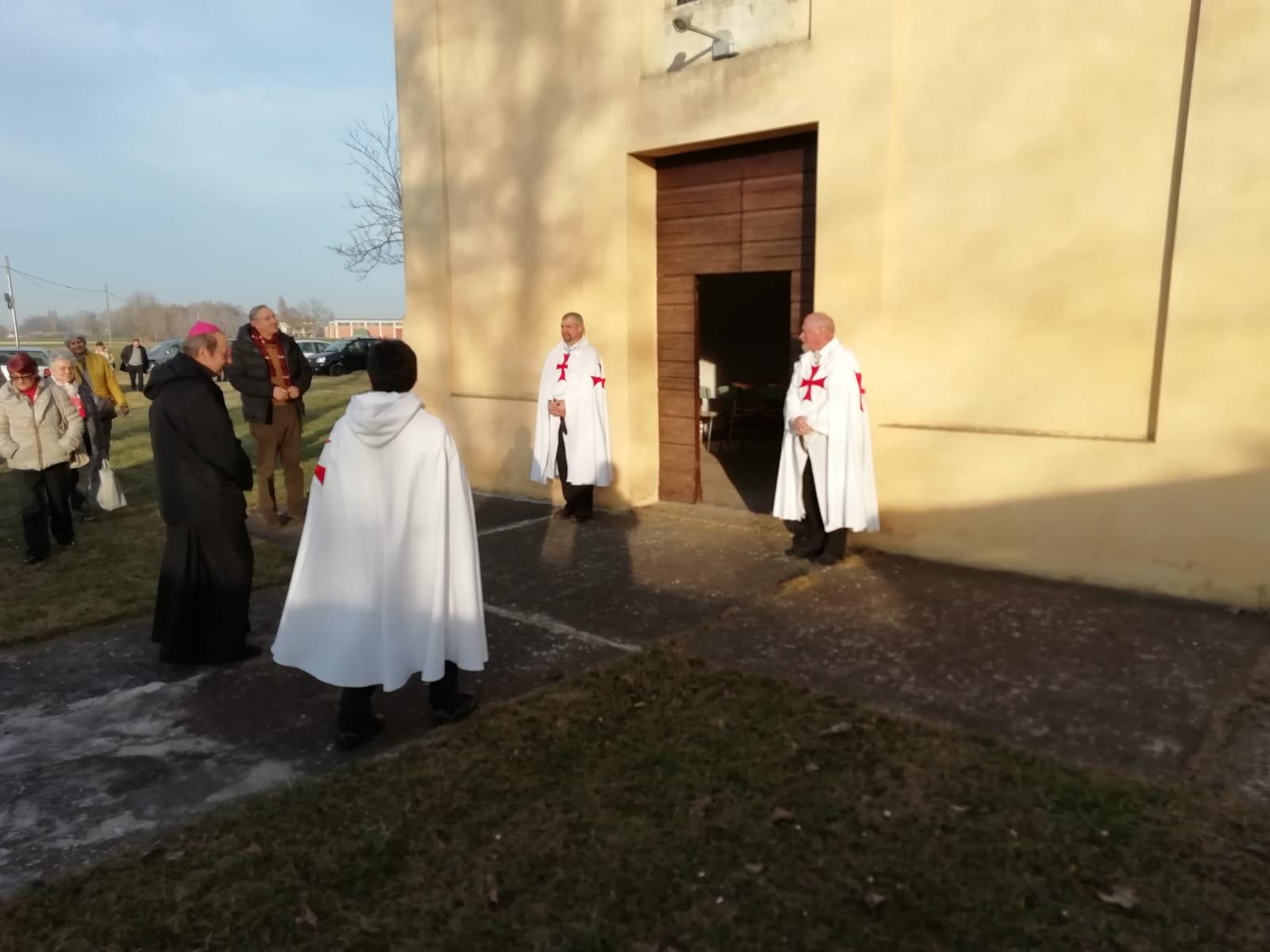 I Templari Cattolici d'Italia partecipano alla benedizione della chiesa di S. Lorenzo officiata dal Vescovo di Parma Mons. Enrico Solmi.