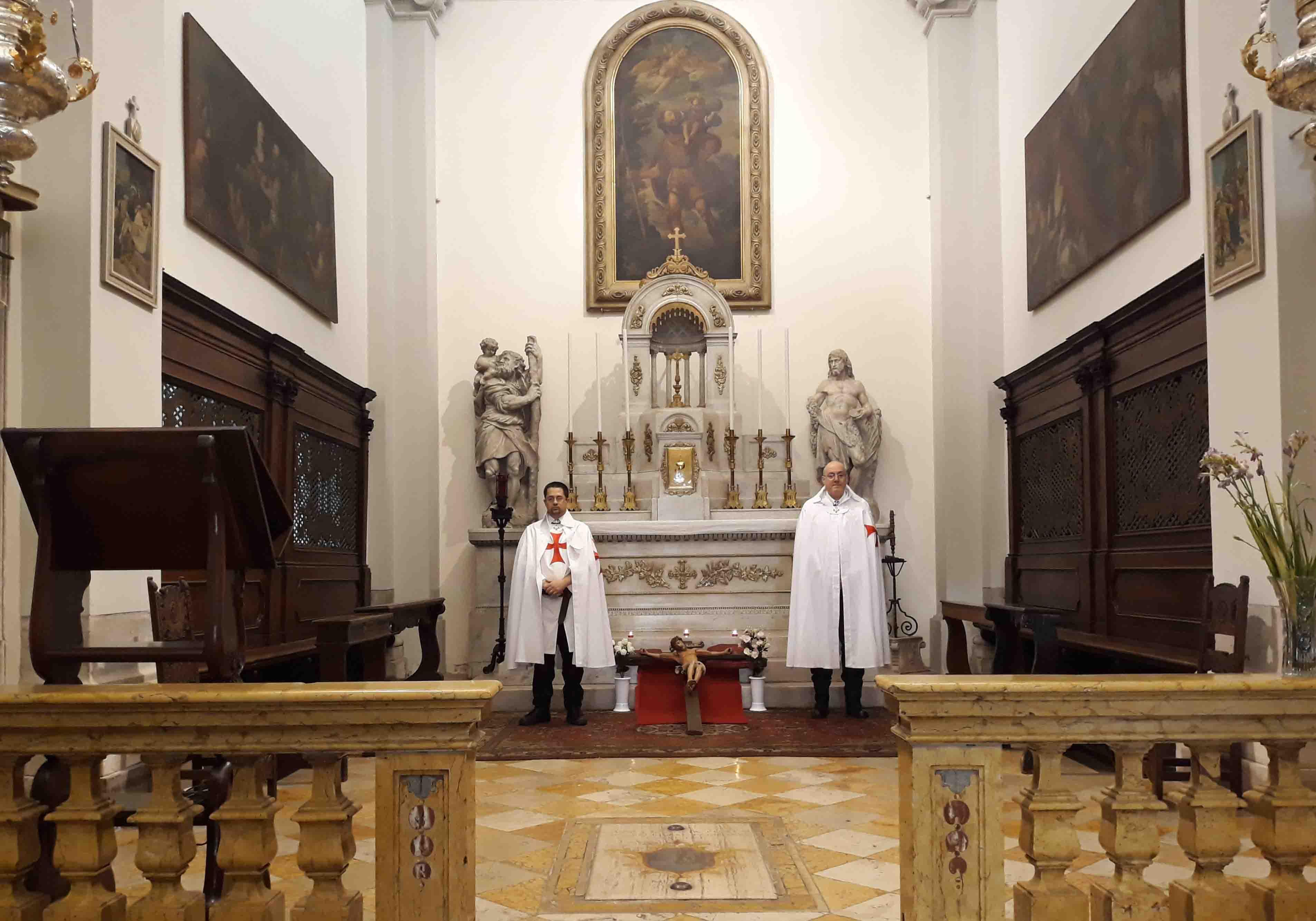 I Templari Cattolici d'Italia prestano servizio settimanale il Venerdì Santo, presso la Chiesa di San Cristoforo a Udine.