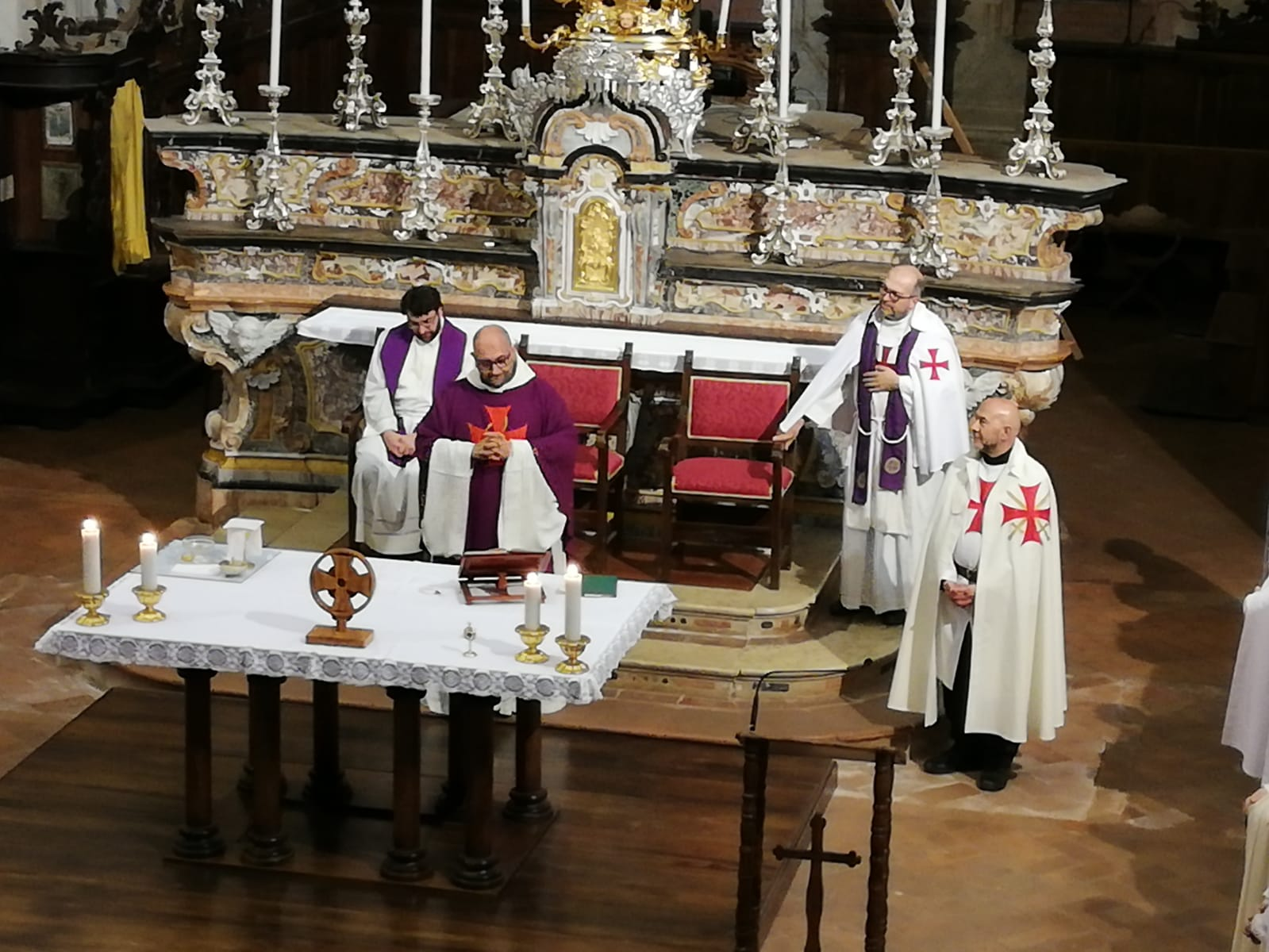Night prayer in Chiaravalle della Colomba March 2019