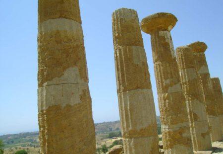 Le Site archéologique de la Vallée des Temples visité à vélo