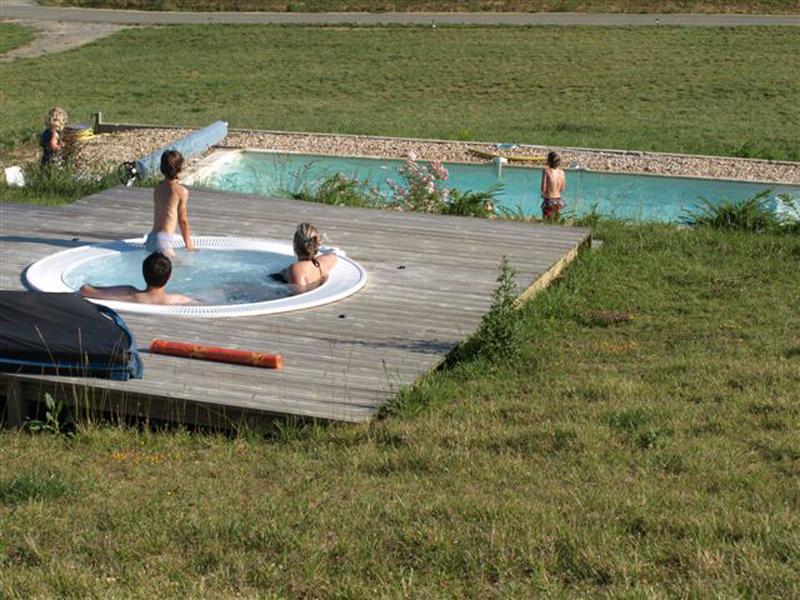 S jour bien vivre et bien tre dans le gers r f 102 for Baise dans la piscine