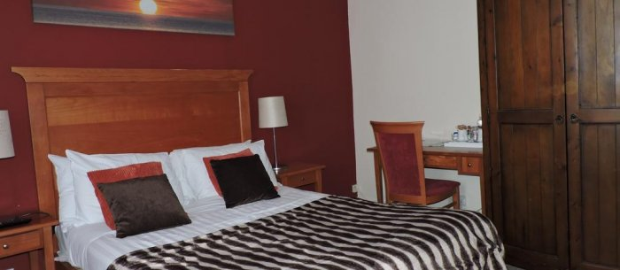 Pymgate Lodge Airport Hotel