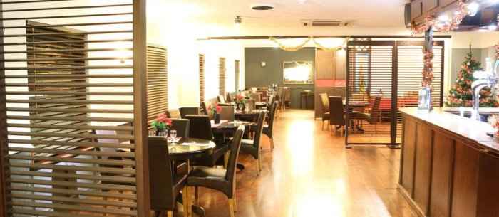 Island Inn & Italian Restaurant & Bosslo Pizza Brand