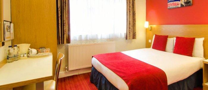Comfort Inn Westminster Hotel