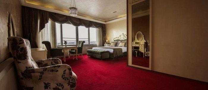 Elan Hotel