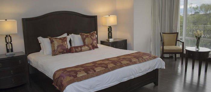 Hotel Torres Del Lago Suites