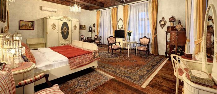 Old Inn Hotel