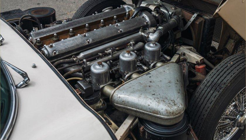 1961 Jaguar E Type Series1 Fhc04