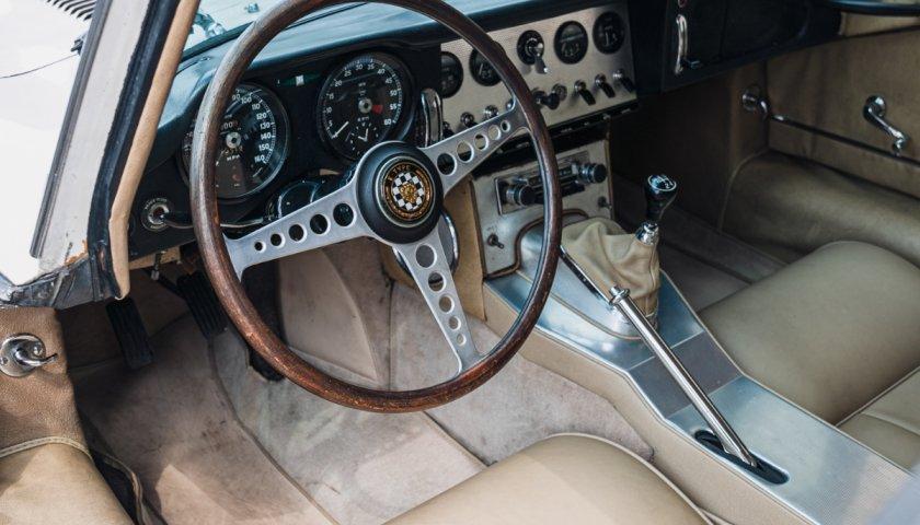1961 Jaguar E Type Series1 Fhc05