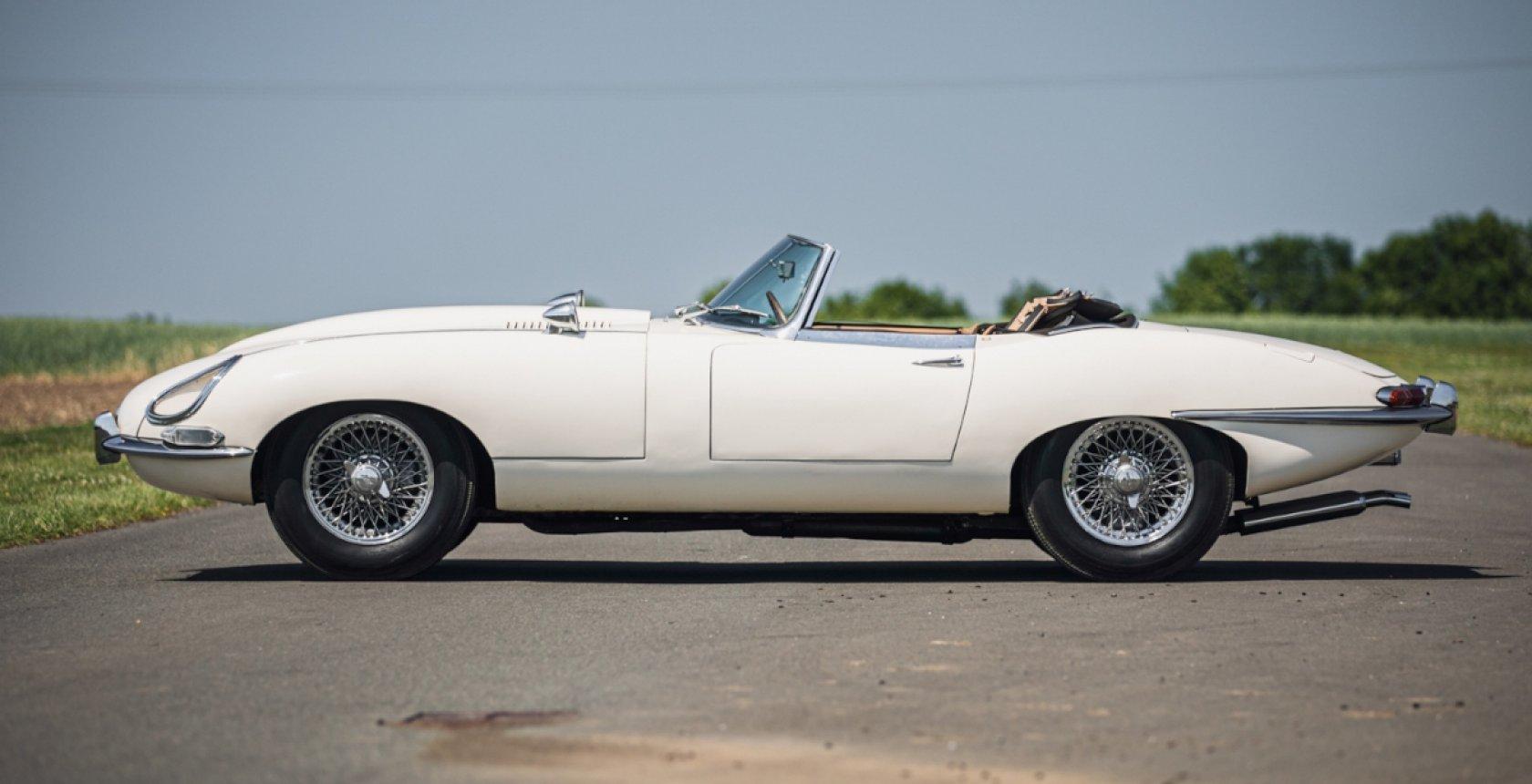 1961 Jaguar E Type Series1 Roadster01