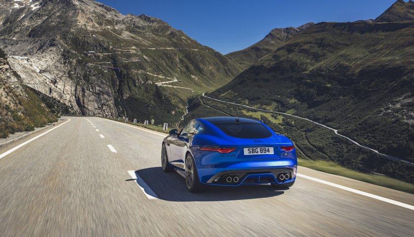 Jag F Type R 21 My Velocity Blue Reveal Switzerland 02 12 19 08