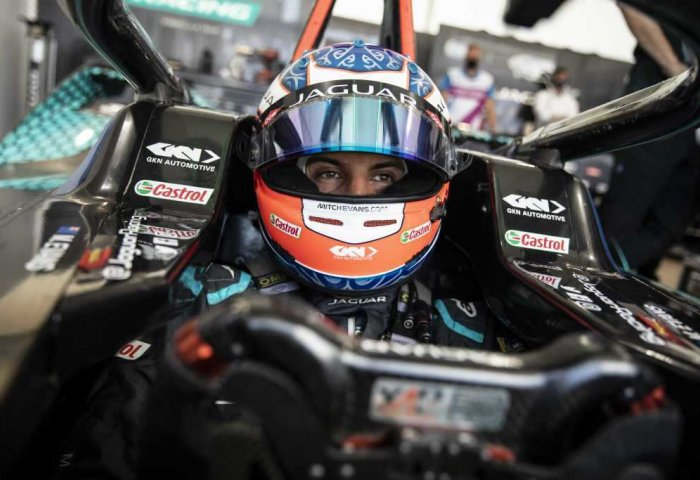 Jaguar Racing Round 15 8