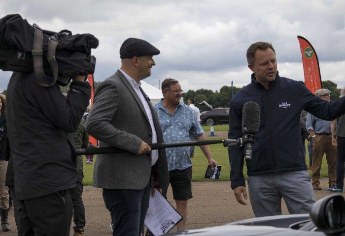 Julian Barratt From Sng Barratt Talks The Commentary Team Through The Cars On Display Min