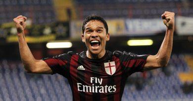 Villarreal announce Carlos Bacca signing