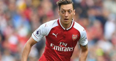 Wenger confirms Mesut Ozil contract talks have slowed down
