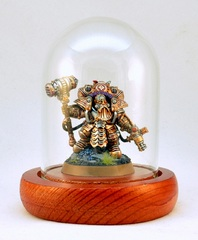 Arkanaut Admiral in lootpile.eu glass display dome