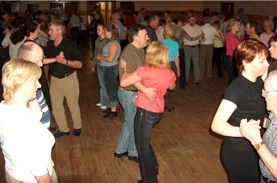 Crowds at workshop ceili