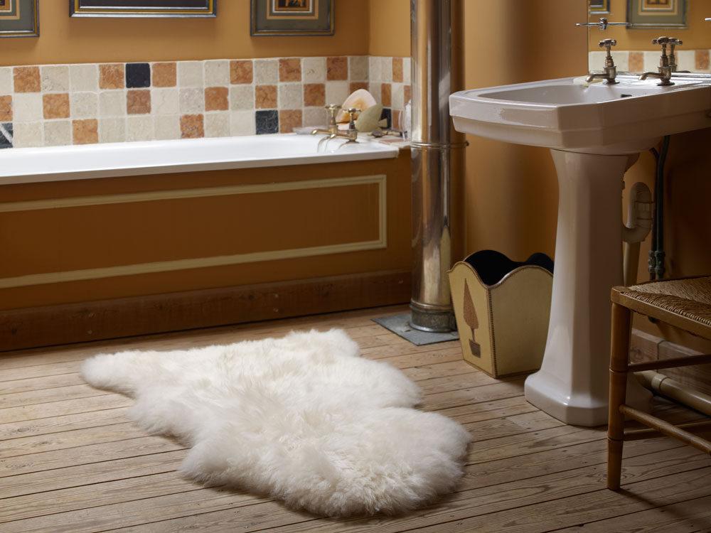 natural cream sheepskin rug. Black Bedroom Furniture Sets. Home Design Ideas
